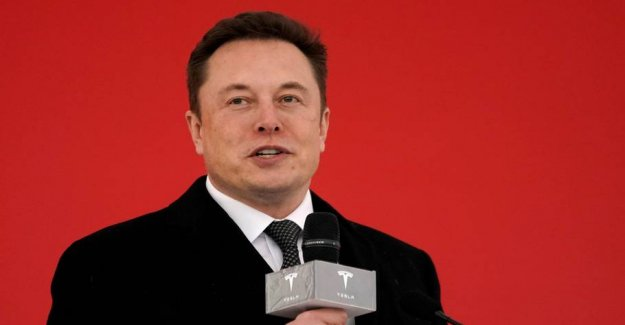Tesla boss will have robottaxaer on the roads next year