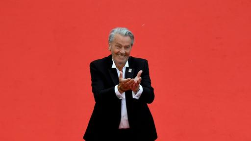 The honorary Palme for Alain Delon: The sensitive price