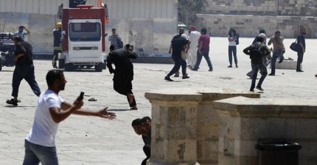 Jerusalem: rioting on the temple mount