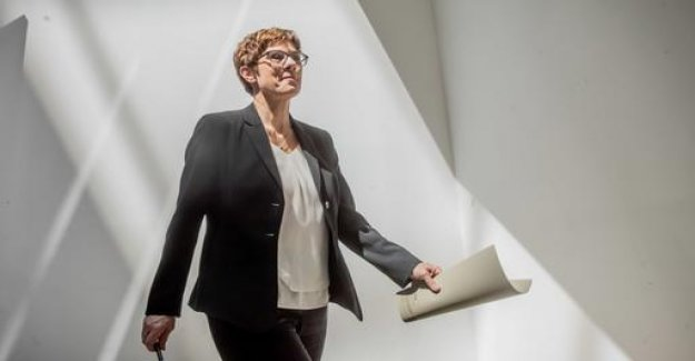 Kramp-Karrenbauer: Maybe too many re-taken views