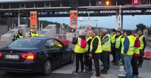 French drivers get subscription with a 30 percent discount on toll roads