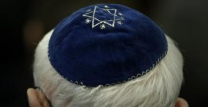 German government warns against Wearing...