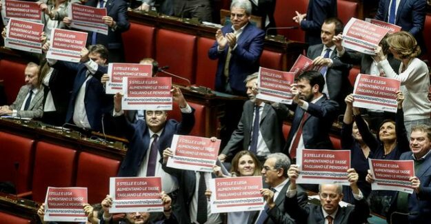 After pressure from the EU Commission : Italy's MPs approve budget of the government