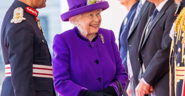 British Queen invites everyone at Buckingham Palace (but you have to pay)