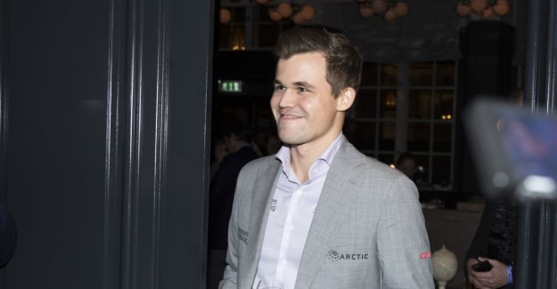 Carlsen on the steady gullkurs - swept arch-rival of the board