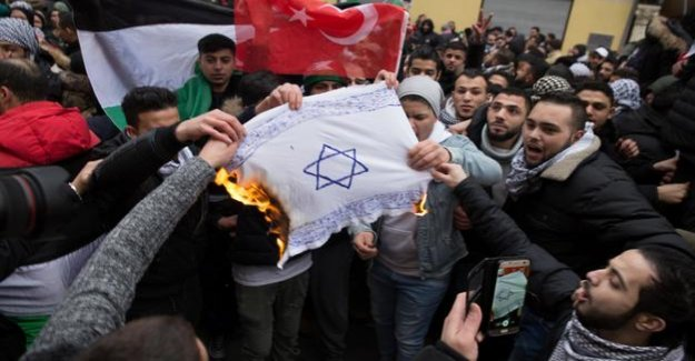 Casdorffs Agenda : Germany must do more to combat hatred of Jews