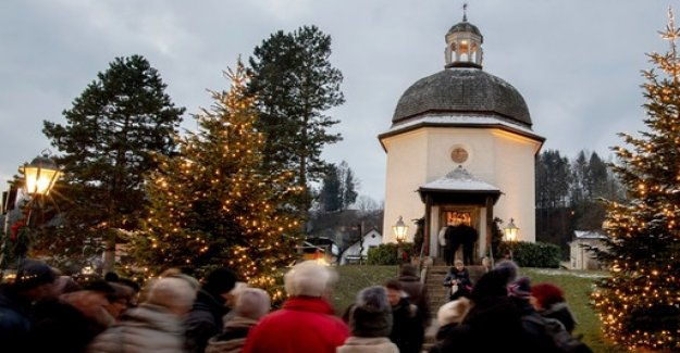 Christmas Heritage: For 200 Years, Silent Night