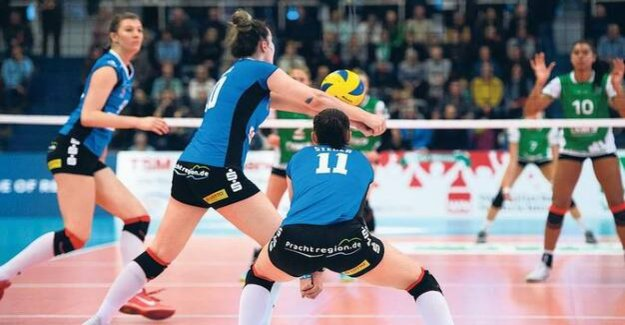 Controversial advertising in Volleyball : For money and attention