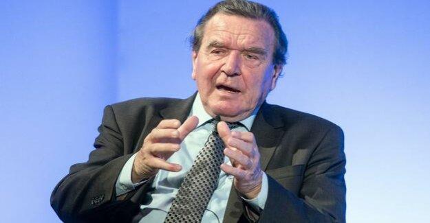 Debate on the Agenda 2010 : Schroeder warns SPD against the distancing of Hartz IV