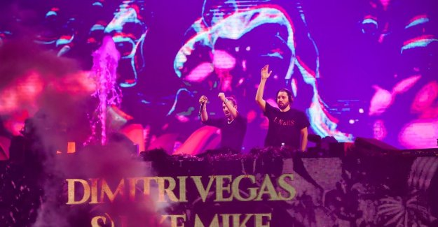 Dimitri Vegas and Like Mike bringing Tomorrowland to the Sportpaleis and make it to the ground