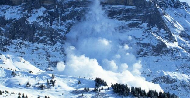 Disaster in the Alps : From avalanche spills of a child after an hour saved