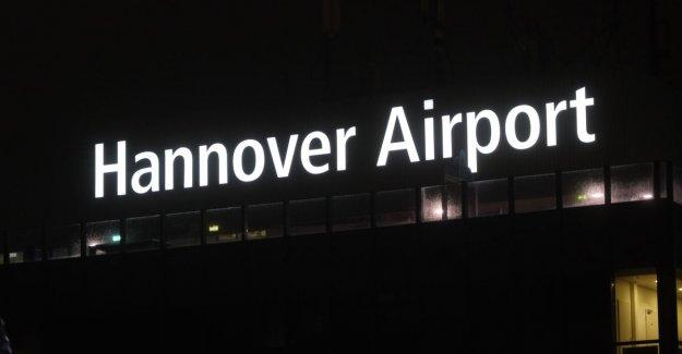 Drugged man tries by car behind plane ride: air traffic Hanover shut down