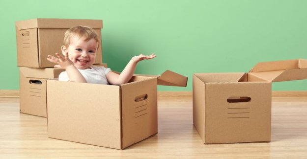Empty cardboard box is an ideal toy - children's doctor: Traditional toys are better than modern widgets