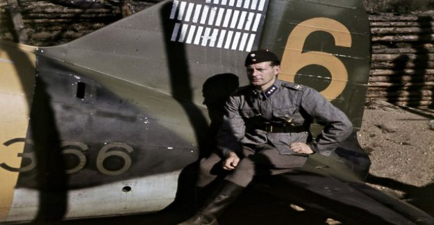 Fighter-ace Joppe Karhunen clear lakes, plunging plane, because he was unconscious, head down
