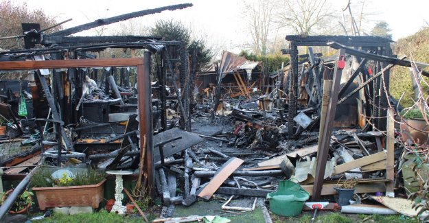 Gas cylinders explode just when resident walks his dog: a Few minutes earlier? Then he was dead