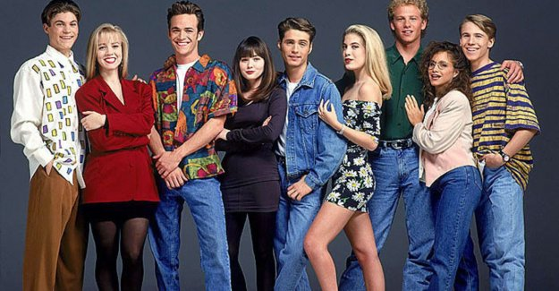 How is the cast of 'Beverly Hills 90210' fare?