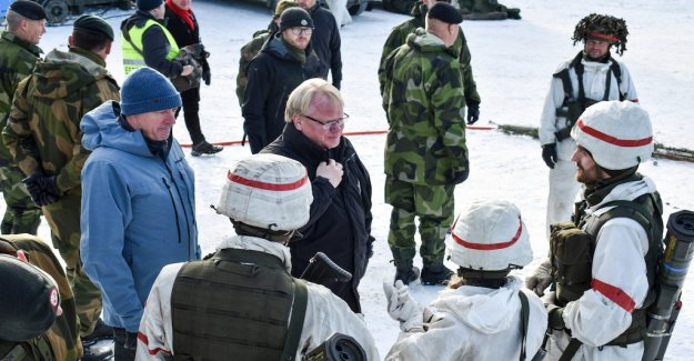 Hultqvist: the Importance of deepening defence cooperation