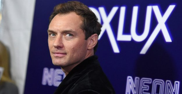 Jude Law plays the Mar-Vell