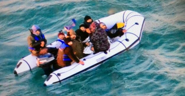 Migration : the Daring escape across the English channel