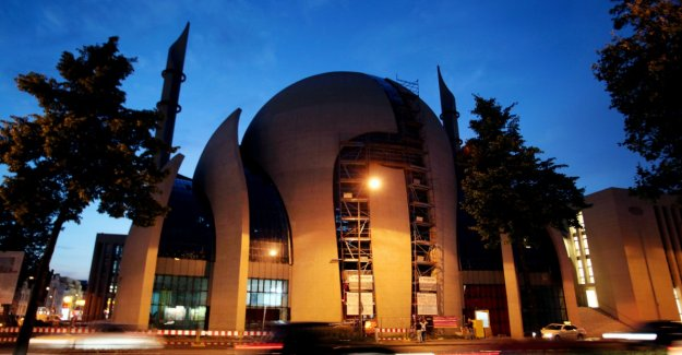 Mosque demanded tax for Muslims