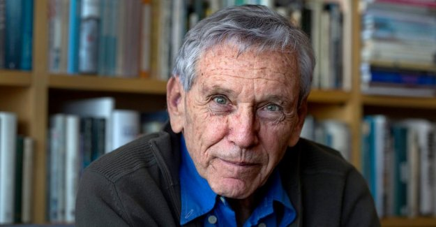 Nathan Shachar: Amos Oz opened the door to a new Hebrew own resonant style of fiction