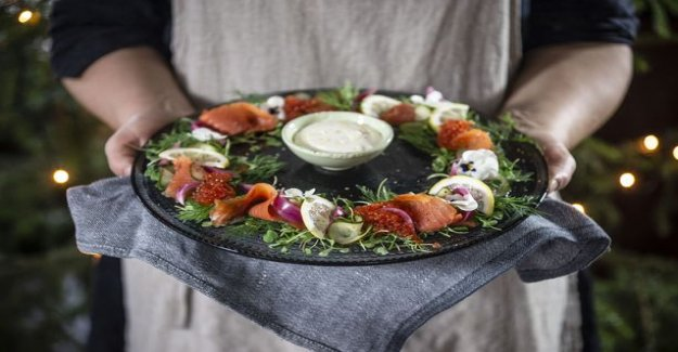 Offer this year gravlax salmon a new way - signed fish the magnificent wreath
