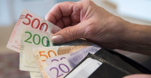 Officials are losing billions on expensive pension funds