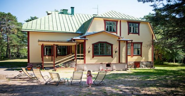 Others seem to interfere with, that we tolerate incompleteness - Wind and his wife are renovating a second home in 10 years