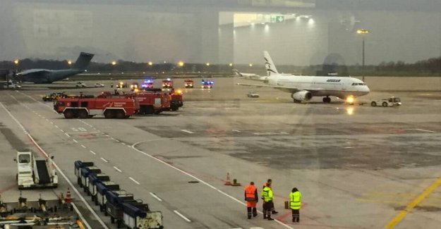 Panic in the German airport: Man breaks through the port and stops all air traffic