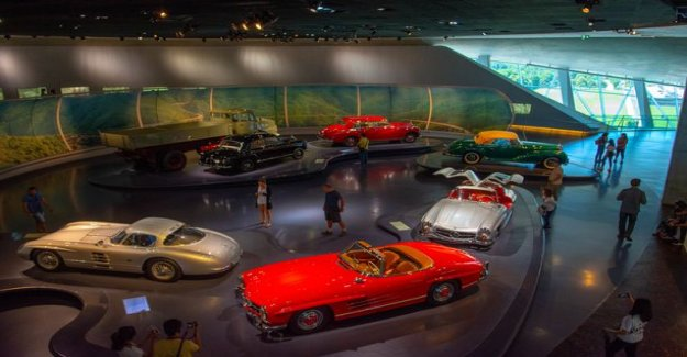 Parade car in the war and a silver arrow on the track: the Stuttgart museum is glossing featured Mercedes checkered history