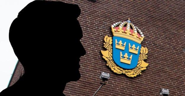 Polisanställd kicked – abused teen after fight over girlfriend