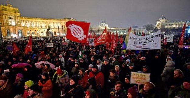 Protest in Vienna against the right-wing conservative government
