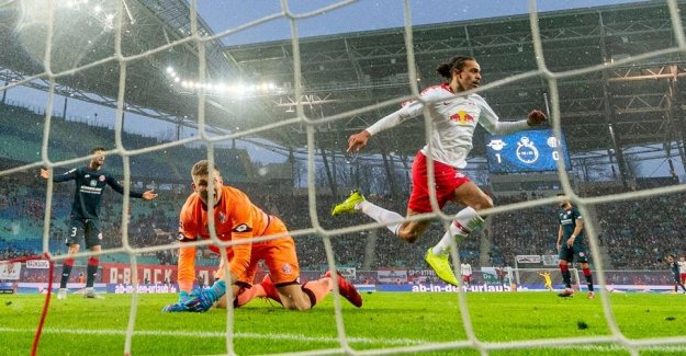See the goals - burning hot Yussuf shows good form