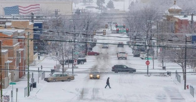 Snow storms and heavy rain in the United States
