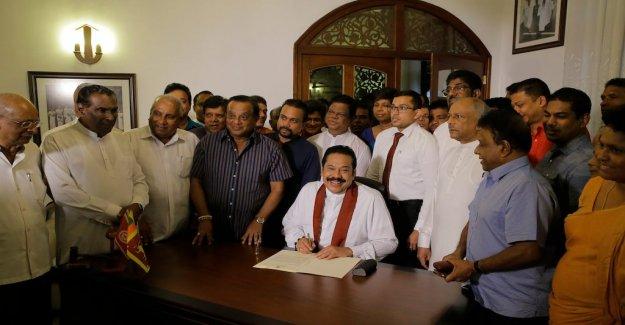 The rajapaksa's resignation can resolve the regeringskaos