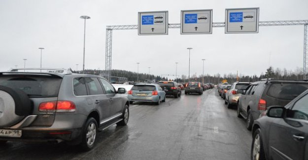 The russians rushing in Finland new year holiday - the border up to 4.5 hours of queues