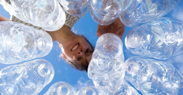 This is exactly how much water you have in a bottle of the 'water bottle flip' to do to succeed