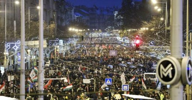 Thousands of Hungarians protest against Orban