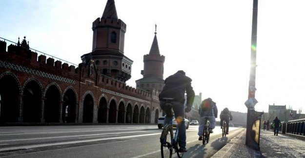 Traffic in the capital : New Figures: more of Berlin to hop on a bike