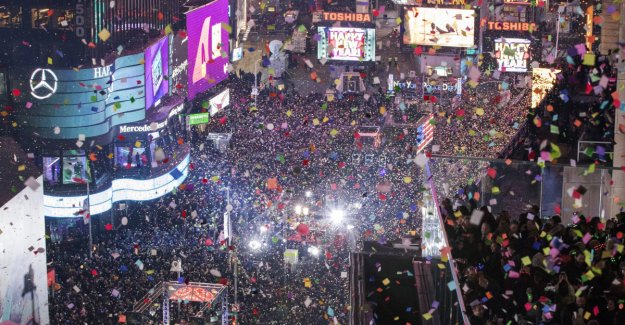 Two million people in Times Square: - the Bull, say experts