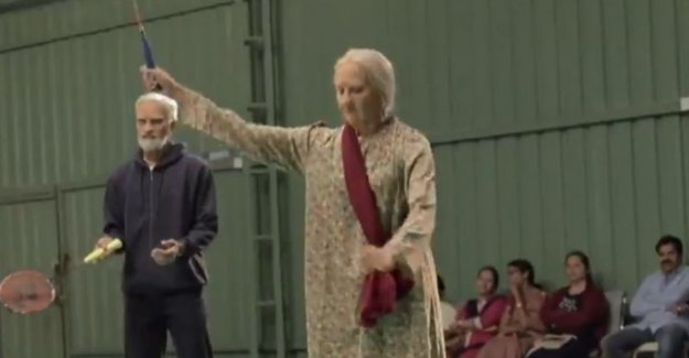 VIDEO. Badmintonkampioenen do is for like elderly people and surprise as unsuspecting players