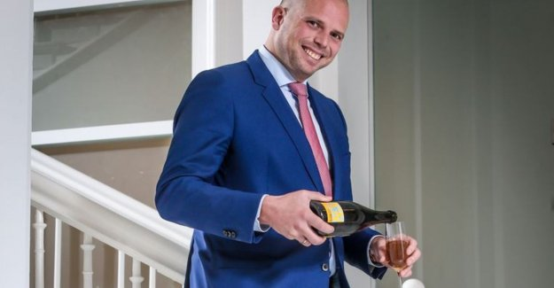 VIDEO. Theo Francken on place 2 in the 100 Belgians of 2018. I make mistakes. It allowed me to shave. But should I therefore be slaughtered?