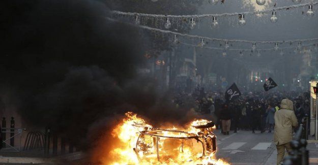 Violent unrest spreads: - It will explode tonight