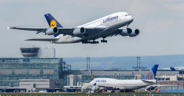 Waiting time at Frankfurt airport : thousands of passengers miss plane