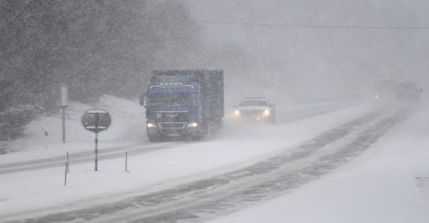 Wind and snow cause for concern in the nyårstrafiken
