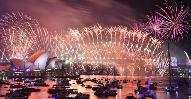 With Record-breaking fireworks to the new year