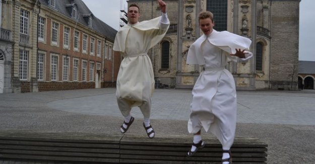 Wout (19) and Nicolas (23) occur in: young fathers with their own YouTube-and Facebookkanaal