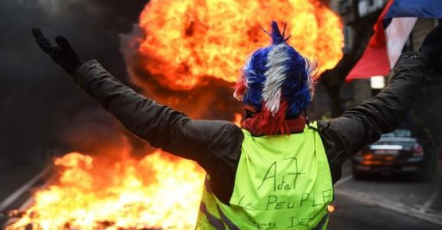 Yellow West in France protesting more