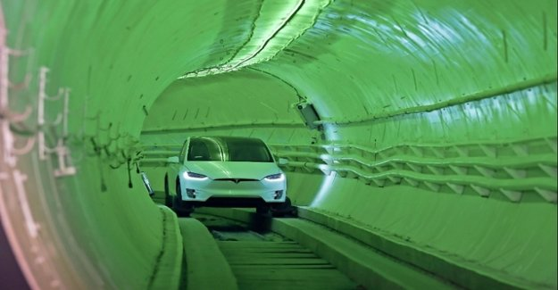 4x4-boom truck – electric cars