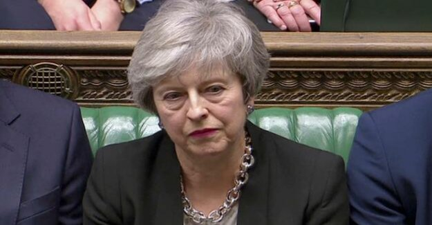 After a vote in the house of Commons : Theresa May is playing at the Brexit on time